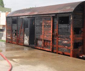 Oradaki vagonlar yanmaya devam ediyor!