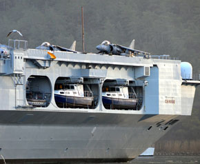 İtalyan uçak gemisi Marmaris'te