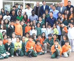 Denizlisporlu futbolcular öğrencilerle buluştu