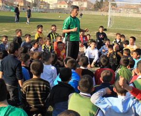 Çivril Belediyesi'nden Türk futboluna büyük destek