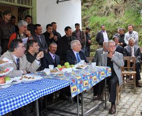 Vali, RES'e karşı çıkan köylüleri ziyaret etti