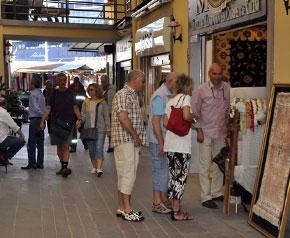Kuşadası;nda kruvaziyer turizmi başladı