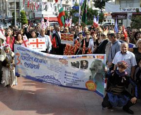 3. Kuşadası Kardeş Kentler Festivali başladı