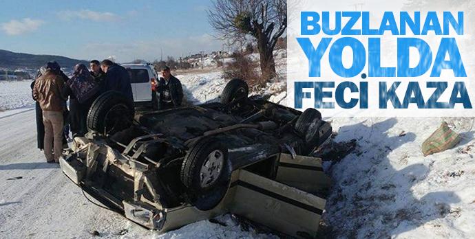 Buzlanan yolda feci kaza
