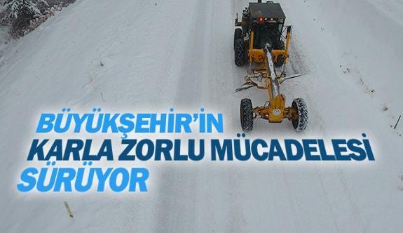 Büyükşehir'in karla zorlu mücadelesi sürüyor
