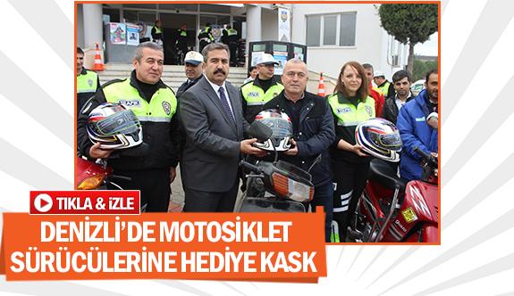 Denizli'de motosiklet sürücülerine hediye kask