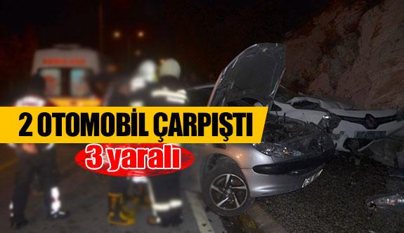 2 otomobil çarpıştı