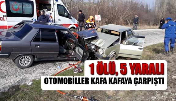 Otomobiller kafa kafaya çarpıştı 1 ölü, 5 yaralı