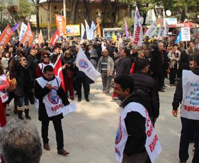 Eğitimciler ve polis arasında gerginlik!