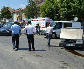 Banaz'da trafik kazası 2 yaralı