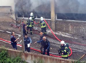 Fabrika 'da yangın