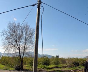 Kablo hırsızları iş başında