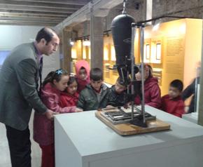 Tarih müzesi ziyaretçilerini ağırlıyor
