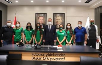 Futbolun yıldızlarından Başkan Örki'ye ziyaret!