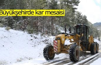 Büyükşehirde kar mesaisi