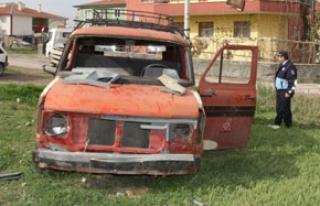 Belediye hurda araçları topluyor