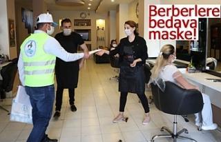 Başkan Örki'den berberlere bedava maske!