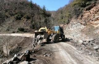 Manisa Turgutlu'da yol çalışmaları devam...