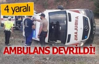 Ambulans kaza yaptı; 4 yaralı