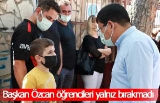 Başkan Özcan sınav öncesi öğrencileri yalnız...