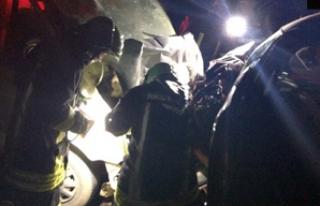 Çal'da trafik kazası 1 ölü 2 yaralı