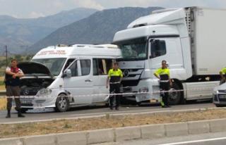 Denizli'de katliam gibi kaza 2 ölü 6 yaralı
