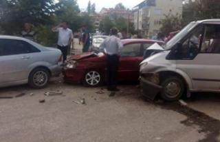 Denizli'de zincirleme kaza: 2 yaralı