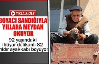 92 yaşındaki ihtiyar delikanlı 82 yıldır ayakkabı boyuyor