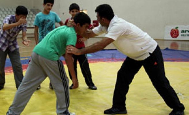 Hem Kur'an öğreniyorlar hem de spor yapıyorlar