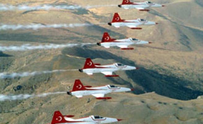 Türk Yıldızları Beyaz Cennette gösteri yapacak