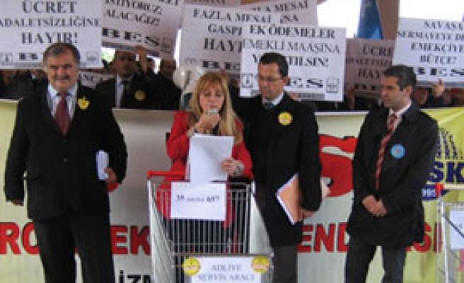 Ödeneklerin kaldırıldığı kararname protesto edildi