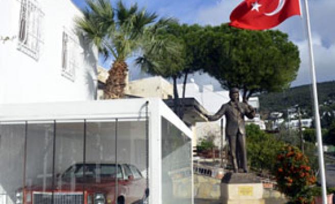 Zeki Müren Sanat Müzesini, 53 bin kişi ziyaret etti