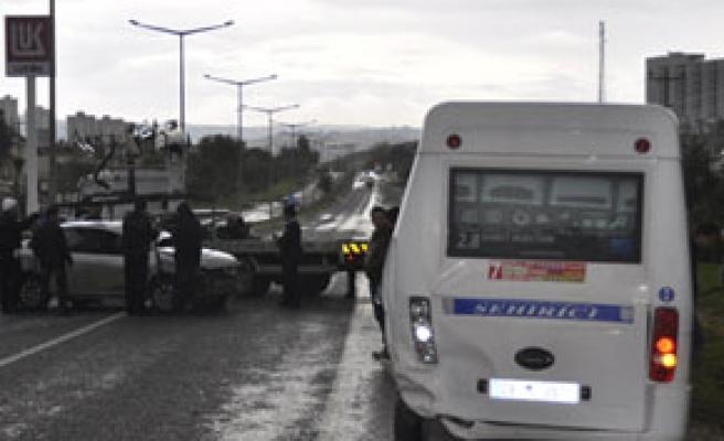 Otomobil kaydı, 3 kişi yaralandı