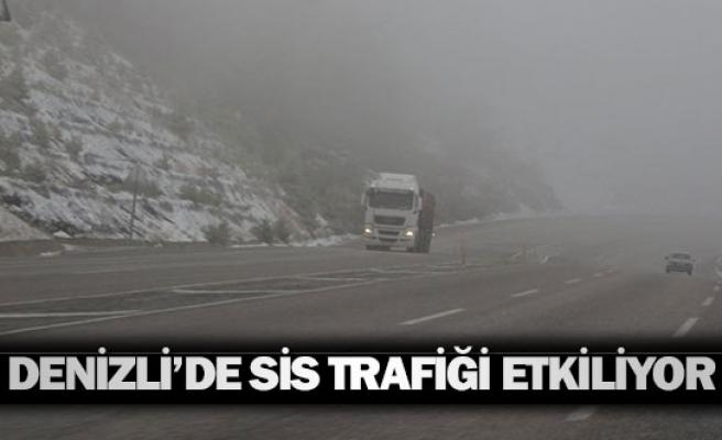 Denizli'de sis trafiği etkiliyor