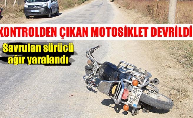 Kontrolden çıkan motosiklet devrildi!