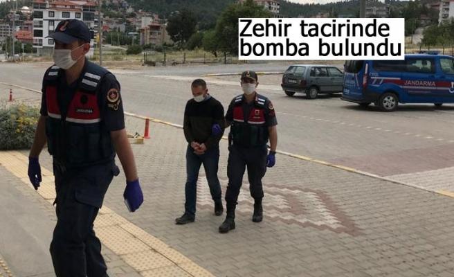 Zehir tacirinde bomba bulundu!