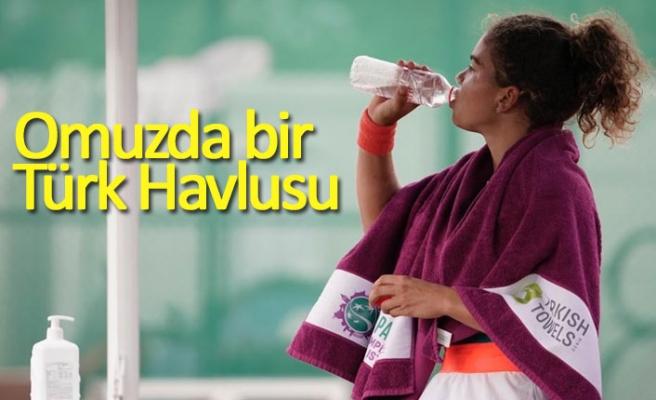 Omuzda bir Türk Havlusu!