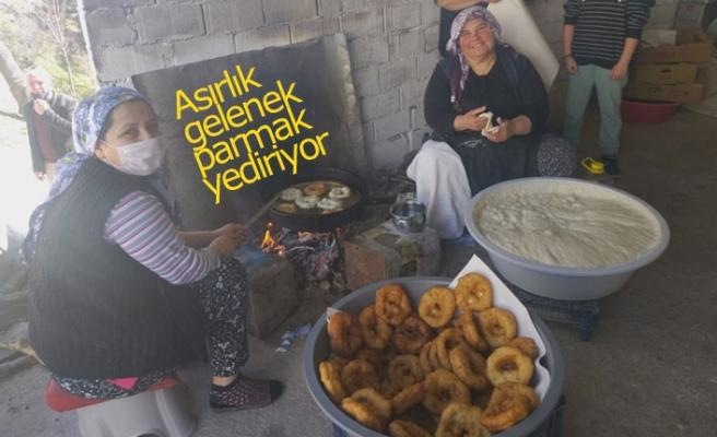 Asırlık gelenek parmak yediriyor!