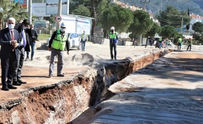 Muğla Fethiye'de kanalizasyon çalışması sürüyor