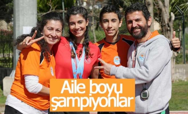 Şampiyon atletlerin şampiyon annesi