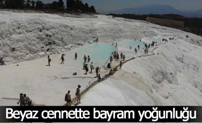 Beyaz cennette bayram yoğunluğu