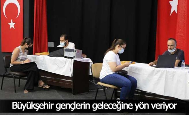 Üniversite adaylarına ücretsiz tercih danışmanlığı