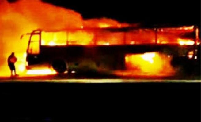 Otobüs cayır cayır yandı