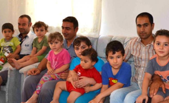 Türkmenler kimlik istiyor