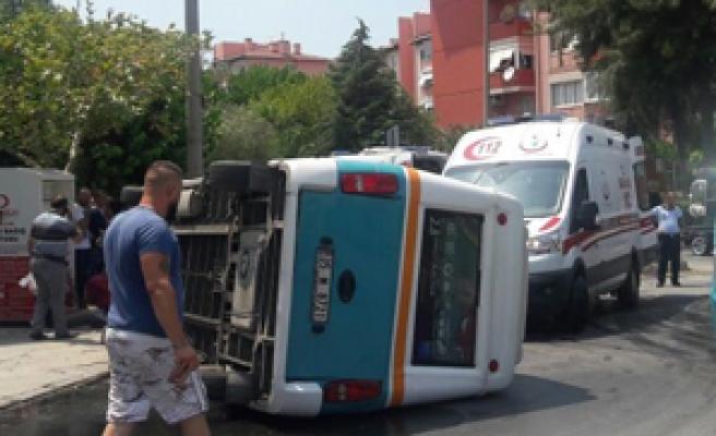 Minibüste can pazarı 2 si ağır 5 yaralı