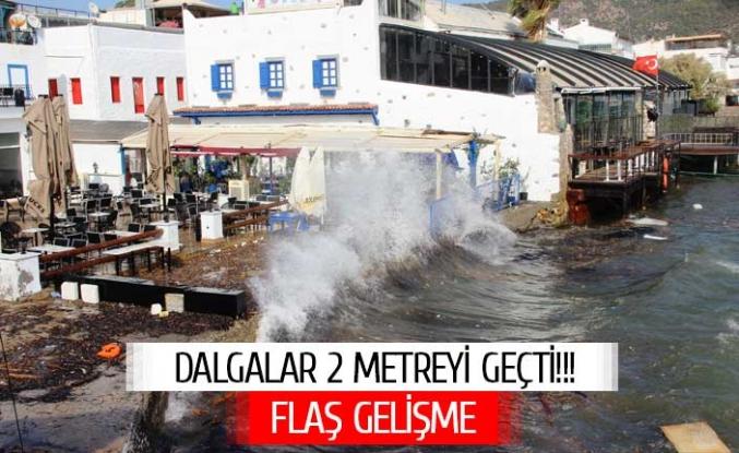 Fırtına turistik ilçeyi mahvetti! Rüzgarın hızı 70 kilometreye çıktı